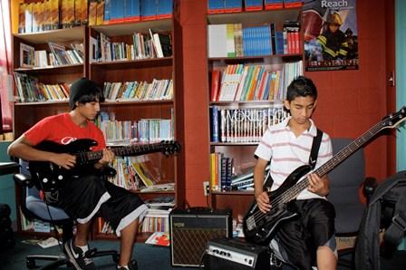 youth-development-guitars